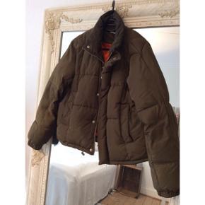 Army grøn vinterjakke Gina tricot Str 38