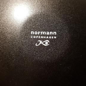 Norman Copenhagen lyserød skål/tallerken. Ø.16 H.3