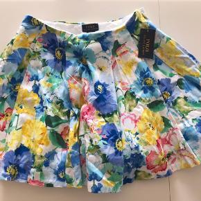 Sprit ny RL blomstret nederdel - super sød!!