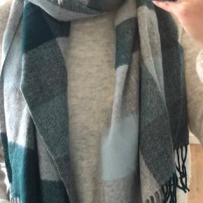 Tørklæde fra MbyM i fine efterårsfarver 🌸