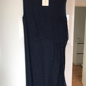 Smuk klassisk Malene Birger kjole. Aldrig brugt stadig med prismærke
