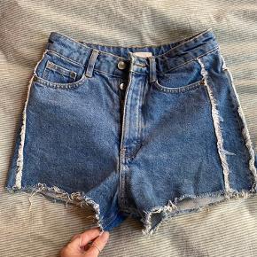 Søde jeans shorts fra H&M.