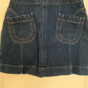 Købt i forkert str. mega fin nederdel i 70'er inspireret look.  Sendes hvis modtager betaler.