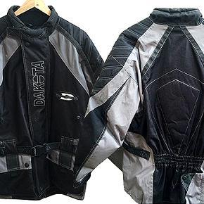 God motercykel jakke Fra Dakota i str M, brugt få gange og i fin stand.