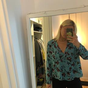 Bluse/ skjorte fra vila💙 Aldrig brugt