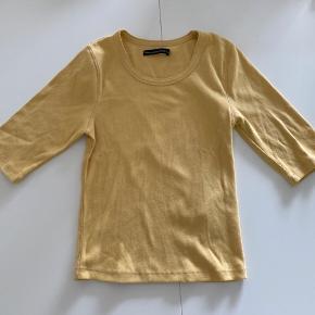 Gul Abercrombie & Fitch t-shirt Kun prøvet på så ingen skader