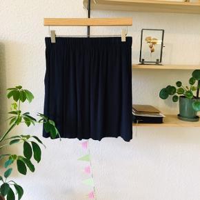 Smuk nederdel fra Envii 🌸 Passer en small