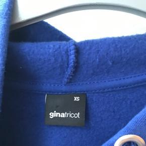 Hættetrøje fra Gina Tricot str xs Brugt 2 gange mp 70kr