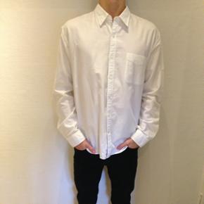 Hvid skjorte fra Tommy Hilfiger (vintage fit) Størrelse XL