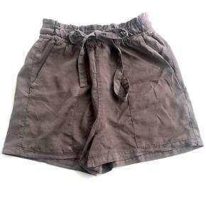 Fede shorts fra Pull & Bear🛍  • Aldrig brugt • Pris fra ny: 136kr • Størrelse small  Prisen inkl. fragt med DAO er 105kr📦