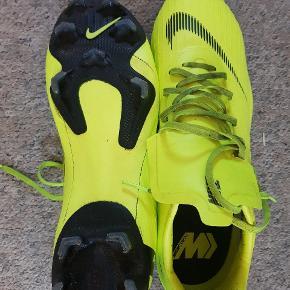 Nike Mercurial   Sælges da de er for lille