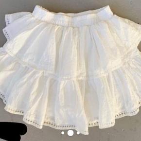 Sælger min super fine Havana nederdel fra M-KAE da jeg aldrig får den brugt.   Nederdelen er aldrig brugt og er derfor i super fin stand.   Kan styles med næsten alt