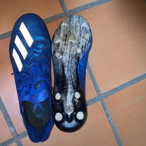 Gode Adidas støvler, som er brugt omkring 7 gange.