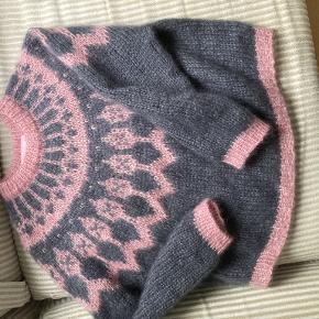 Deima sweater