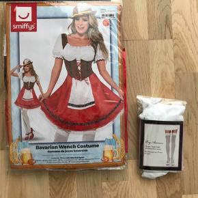 Oktoberfest kjole inklusiv stockings.