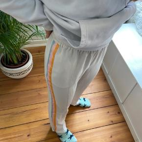 Gina tricot bukser  Str 36