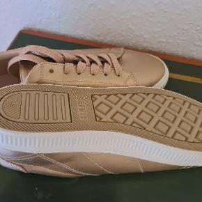 Flotte nye sko fra Esprit str 42 sælges.  Befinder sig I Kolding ! :)
