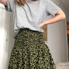 Smuk nederdel fra H&M.