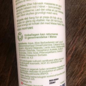 Parfumefri balsam fra Matas natur. 400 ml danskproduceret hårpleje uden parfume og andre problematiske tilsætningsstoffer. Meget populær vaske- og plejebalsam inden for CGM (Curly Girl-metoden). Kun brugt få gange.  Kan afhentes i København NV eller sendes på købers regning.