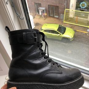 Støvler fra Zara i str. 39🖤