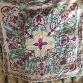 Vintage scarf from the 70'ties bought in Florence in a vintage shop. Silk. Used - time hand washed. Beautiful and rare. # 30 days sellout.