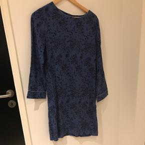Ny kjole i str M