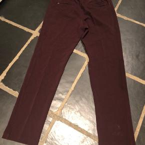 Very nice and smart jogger pant in high quality comfort wool quality from high end brand Joseph.