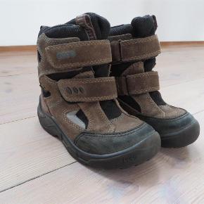 00a400c0a2b Varetype: Vinterstøvler Farve: Brun Ecco vinterstøvler i rigtig god stand.  Brugt en sæson