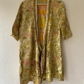 Mille K kimono