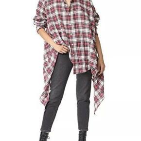 Brand: Faith Connexion Varetype: Flannel Skjorte Farve: Multi Oprindelig købspris: 6.000 kr. Kvittering haves. Prisen angivet er inklusiv forsendelse.  Cool flannel skjorte fra Faith Connexion.  Størrelse XS. Fitter oversize og har en perfekt pasform til en strørrelse 38/40 Skjorten er i 100% høj kvalitets flannel. Super lækker og luksuriøs i materialet  Fremstår i perfekt stand. Sælges med original tag samt kopi af kvittering.  Nypris 6.000kr Sælges for 900kr inkl forsendelse