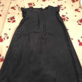 Rigtig fin kjole brugt to gange