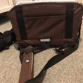 Super lækker transporttaske.  Passer i størrelsen til en lille hund, kat eller kanin 🐶🐱🐰😍  Aldrig blevet brugt.