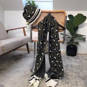 Zara Scarf & Beanie Buy as a set for 100,- Separately, 50,- each