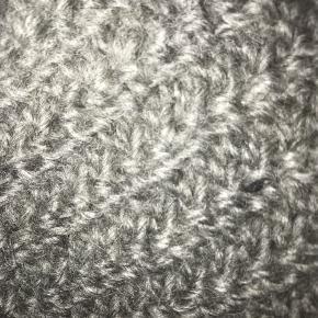 Koksgrå uld vest brugt få gange.