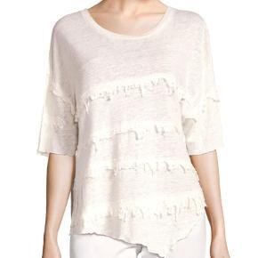 Varetype: T-shirt Farve: Champagne Oprindelig købspris: 1199 kr.  Helt ny bluse stadig med mærke. Ny pris 1199,00    Bytter ikke.