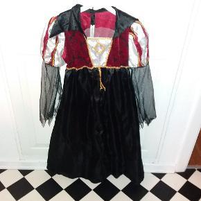 Draculas brud kjole Fastelavn eller halloween  Str. 128