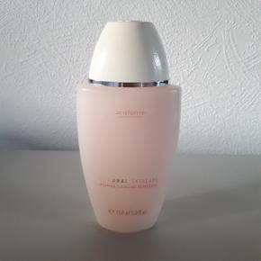 Oriflame natural skincare.  Morning cleansing refresher 150 ml.  Hentes i Roskilde eller sender med DAO mod betaling af fragt.
