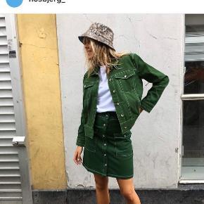 Hosbjerg jakke Får den bare ikke brugt - så overvejer at sælge - da den bare hænger i skabet desværre! Købt herinde på ts