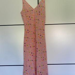 Helena Fananda kjole
