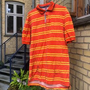 Saks Fifth Avenue t-shirt