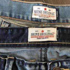 Super udsalg.... Jeg har ryddet ud i klædeskabet og fundet en masse flotte ting som sælges billigt, finder du flere ting, giver jeg gerne et godt tilbud..............  * 2 par helt nye shorts desværre købt for små. Nypris på 379 kr.pr. par * sælges 125 kr pr. par + forsendelse  Sendes med Coolrunner