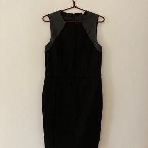 Calvin Klein kjole