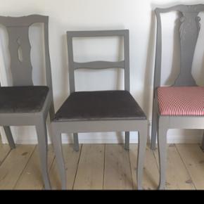 3 skønne svenske stole :) 1 stol 375. Kr Ved køb af 2 stole 600. Kr og ved køb af alle 3 stole 800. Kr