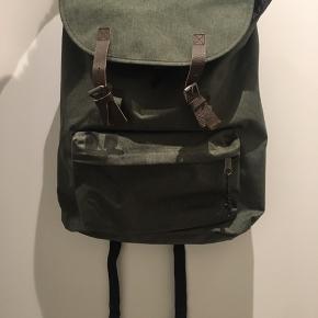 Helt ny rygsæk fra Eastpak - kun brugt et par timer.   Mener modellen er London