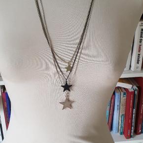 Flot lang halskæde med stjerner købt ved dansk smykkekunst.
