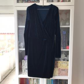 Velour kjole i mørkeblå