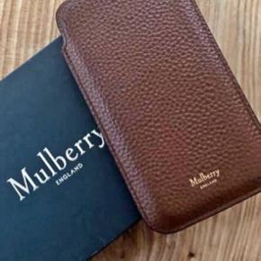 Sælger dette flotte mulberry sleeve i farven oak til iphone 6/7/8. Sælges kun grundet køb af større telefon. Super flot holdt, ingen ridser i læderet.  Der medfølger æske og kvittering. Sender på købers regning