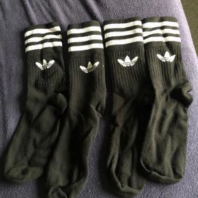 Adidas strømper / sokker / tennissokker / tennisstrømper / crew i sort 2 par Str 43-46 Aldrig brugt, kun vasket  Kan byttes