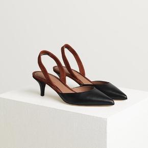 Malene Birger kitten hæl/slingback i str 38. 100% læder og virkelig komfortabel. Som ny. Hæl høj er 6cm.