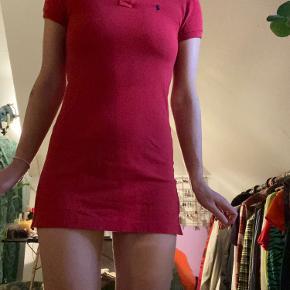 Så fin kjole fra Ralph lauren  Officielt en medium, men passer en small